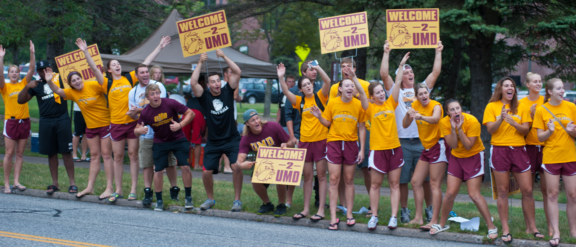 UMD students welcoming new students to campus.