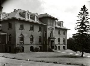 1946, Washburn Hall
