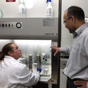 Kaija Kottke receives some advice from Professor Venkatram Mereddy.
