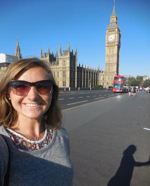 UMD student Elle Ickert takes a selfie with Big Ben