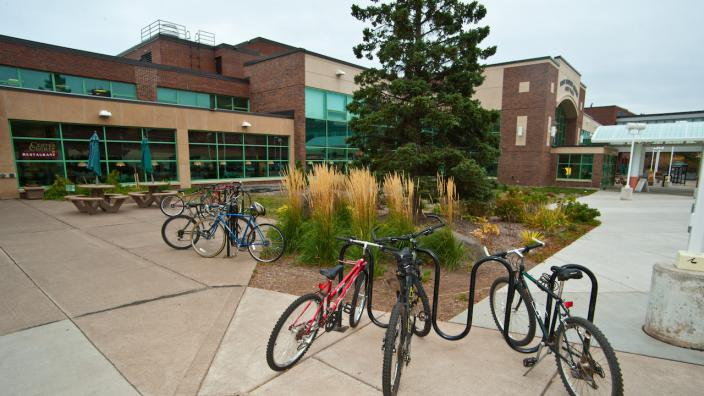 Bikes in front of Kirby Student Center