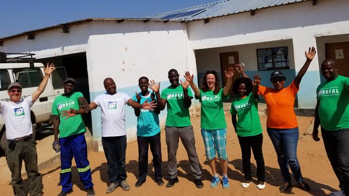 This team installed solar panels, enabling a clinic to keep vacinnes cool.