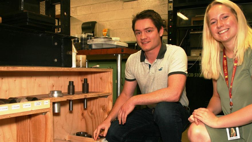 UMD students Evan Myers and Kamryn Kalal at NRRI