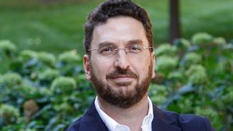 Dr. Alejandro Baer