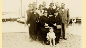 Photo of Fred Amram's family