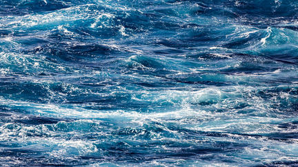 Blue ocean waves