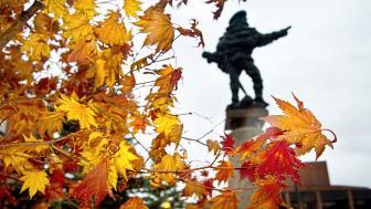 UMD's Sieur Duluth statue