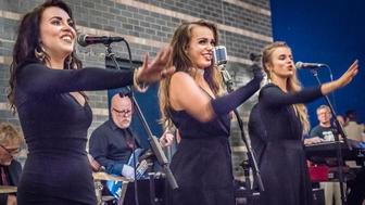 Laura Velvet singers (l-r) Maija Elizabeth Tatro, Lisa Holman, and Cally Nielsen