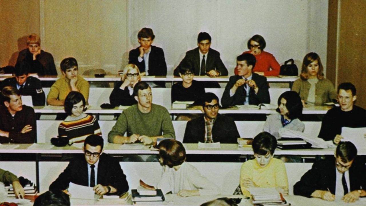 Photo of UMD classroom in 1968