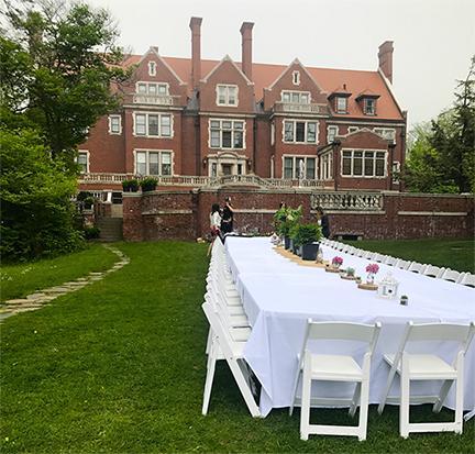 Glensheen Avant Garden Table